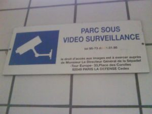 Affiche_signalant_une_vidéo_surveillance_a_courbevoie