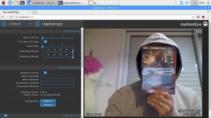 Capture d'écran de MotionEye avec flux image actif