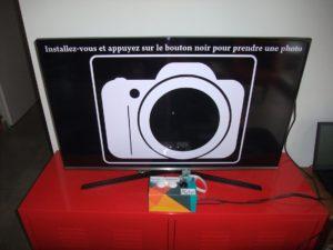 Photobooth (boîte en carton) branché à la TV